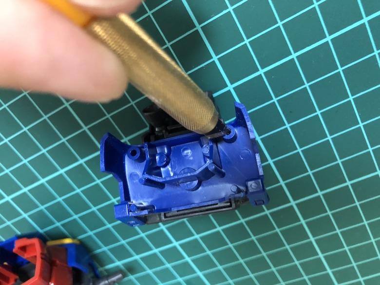 ガンプラのダボとダボ穴を処理方法を3ステップで解説します