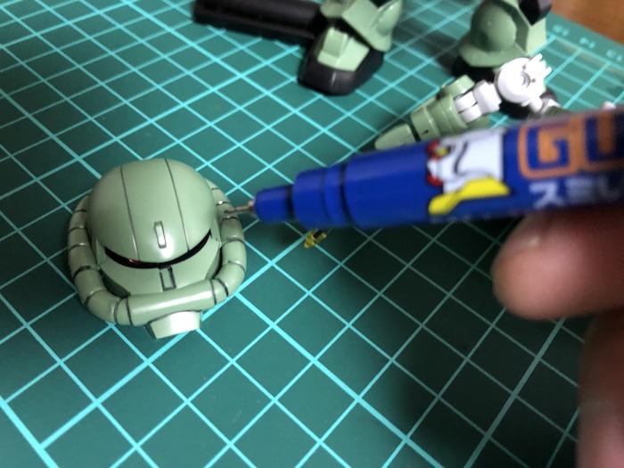 クロスシルエット『ザク2』をスミ入れ・部分塗装・ウェザリングしてみた